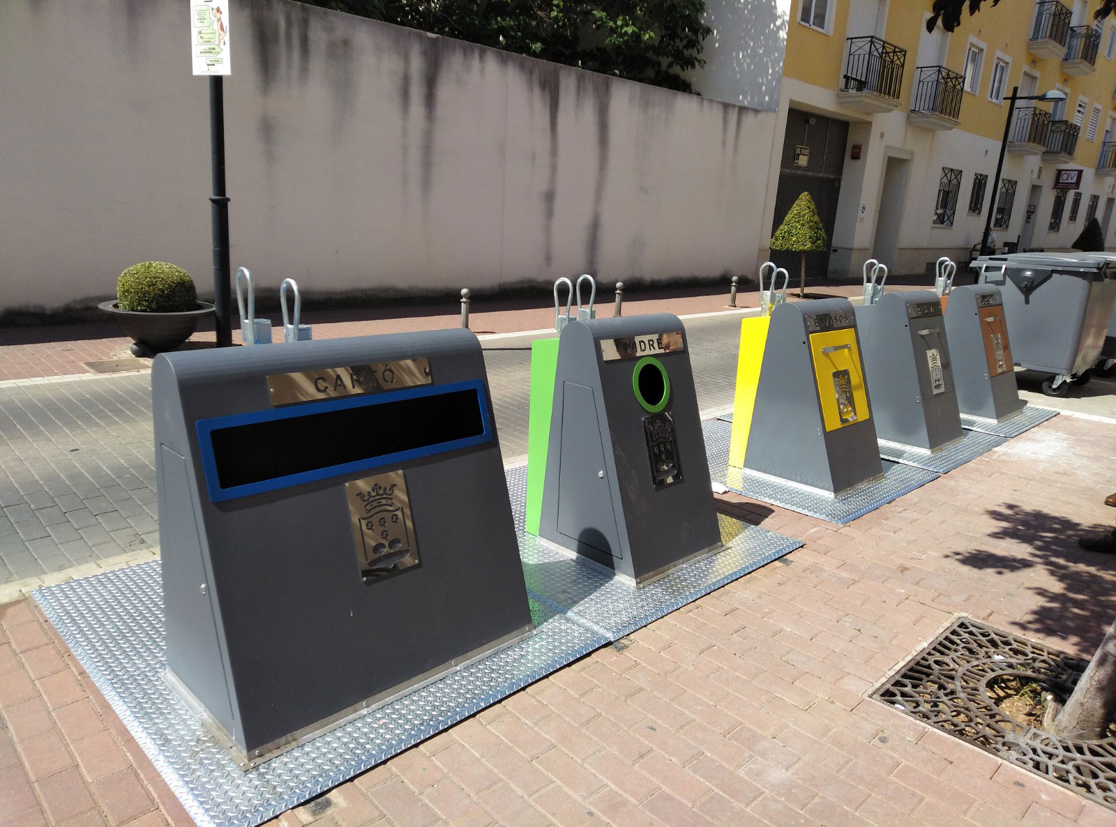 Contenedores de separado de basuras
